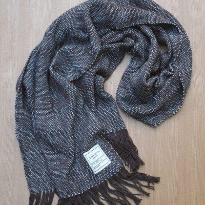手つむぎ・手織りのストール Standard(錆色+銀鼠)