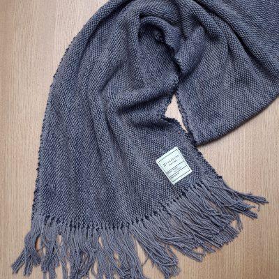 手つむぎ・手織りのストール Standard(灰色+消炭色)